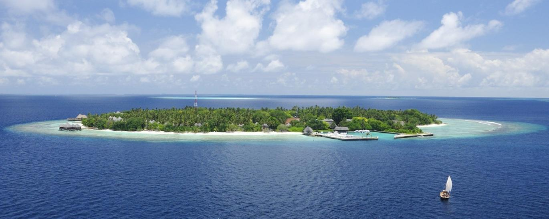 - Bandos Island Resort
